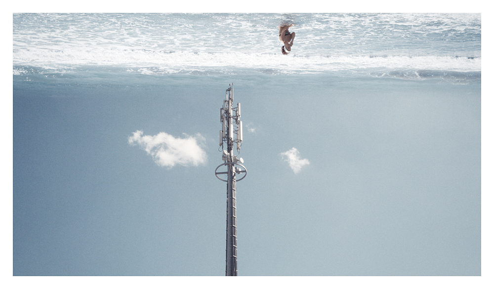 SOSPESI phototouch by Giampaolo Marcantoni (Italy) for WU+S (wakeupandsleep.org). A people adrift between yards and pylons, light poles and phone repeaters, suspended above its sea of problems, distracted and amused. The reference is not really to the Italian people, even though it is the subject, but more widely to all the western populations, that while the system collapses, they live in a daily enchanted.